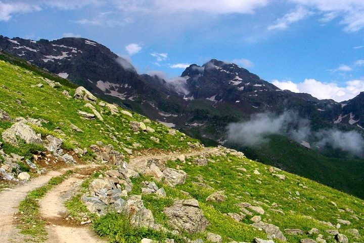 road_to_sach_pass