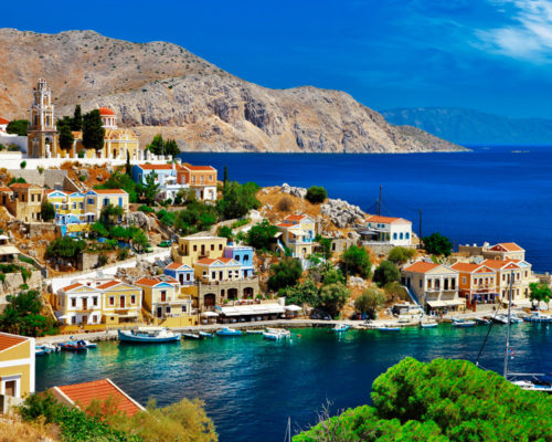 10-REASONS_TO-VISIT-GREECE_SYMI